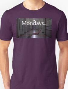 Freddy hates mondays. Unisex T-Shirt