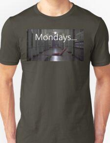 Freddy hates mondays. T-Shirt