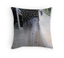 """Come in, come in""... Throw Pillow"