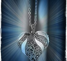 Glowing Heart by chloemay