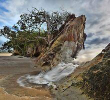 Whiritoa Breach by Ken Wright