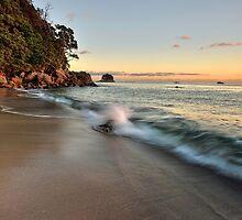 Waimama Bay Dawn Splash by Ken Wright