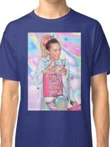 MILEY IS FWEAKY TUMBLR Classic T-Shirt