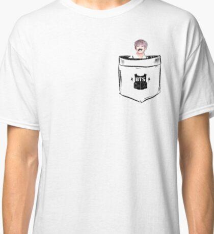 BTS/Bangtan Sonyeondan - Pocket V (Kim Taehyung) Classic T-Shirt