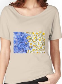 Blue cornflower and white chamomile  Women's Relaxed Fit T-Shirt