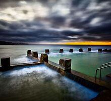 Ross Jones Memorial Pool, Coogee Beach by damienlee