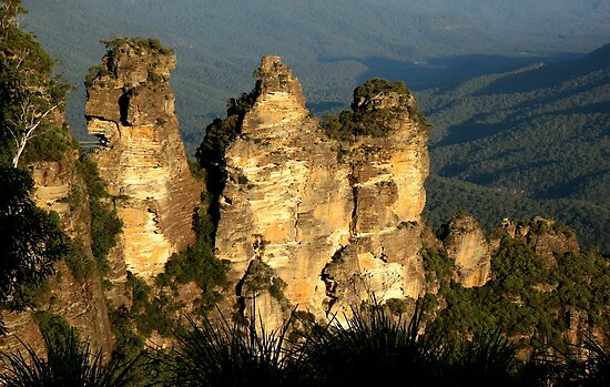 love legend-Three Sisters at Blue Mountain, Sydney, Australia by maysun