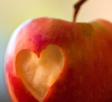 I heart Apples by Hege Nolan