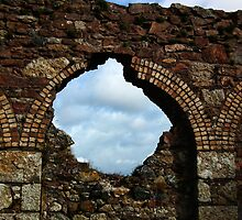 Cornish Tin Mine 2 by lynn carter
