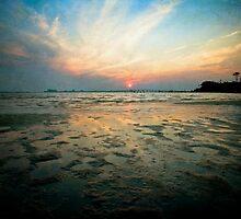 Low Tide Sunset by Jonicool