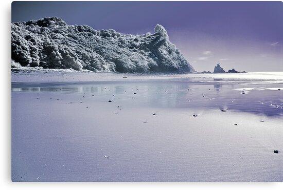 Te Karo infrared by Paul Mercer