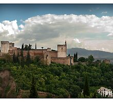 Alhambra from Sacromonte. by Juantolin