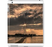 Just Before Sunset at Tring Reservoir (HDR) iPad Case/Skin