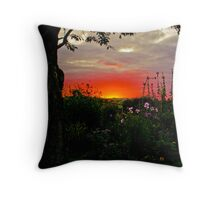 A Somerset Sunset. Throw Pillow