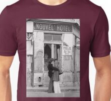 Collector, On the Way to M.Cartier Bresson Paris 1975 17 (b&n)(h) by Olao-Olavia par Okaio Création Unisex T-Shirt