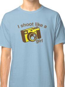 I shoot like a girl (Camera Photographer) Classic T-Shirt