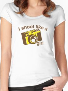 I shoot like a girl (Camera Photographer) Women's Fitted Scoop T-Shirt