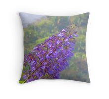 A tropical blossom in the jungle - Flor tropical en la selva Throw Pillow