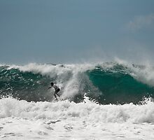 Big swell by Odille Esmonde-Morgan