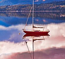 Huon Reflections by jayneeldred