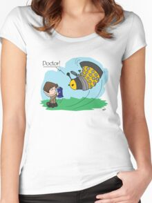 Eleventh Doctor vs a Dalek ... Peanuts Style Women's Fitted Scoop T-Shirt