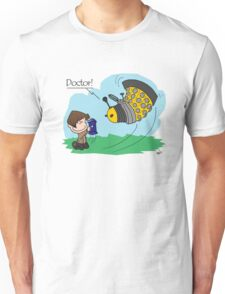 Eleventh Doctor vs a Dalek ... Peanuts Style Unisex T-Shirt