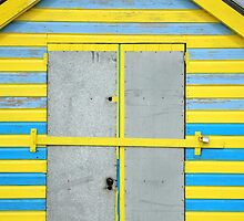 Colourful Beach Hut by James1980