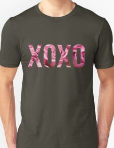 XOXO Floral Roses Unisex T-Shirt