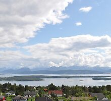The Molde panorama by Skavold