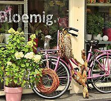 Bloemig by Stephanie Owen