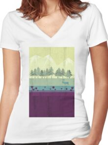 Wildlife Women's Fitted V-Neck T-Shirt