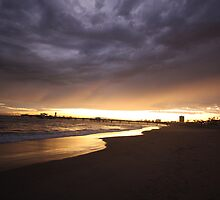 Storm rollin' into the Shore by Dee2west