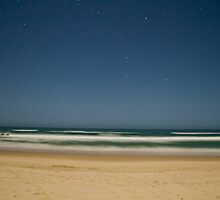 Night time at the beach by benjilach