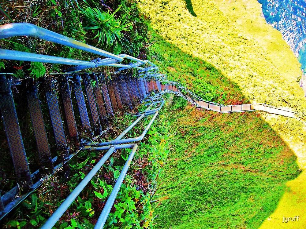 Haiku Stairs by jyruff