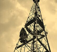 TV receiving-transmitting antenna by qiiip