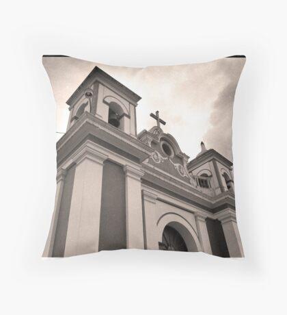 Templo de Ascensión - Xela, Guatemala Throw Pillow