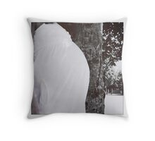 34 weeks Throw Pillow