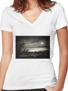 Louisiana night Women's Fitted V-Neck T-Shirt