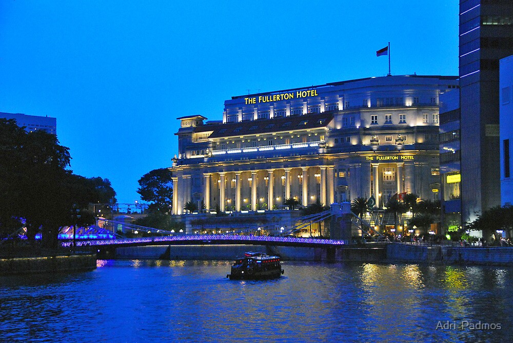 The Fullerton Hotel by night by Adri  Padmos