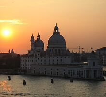 The sun sets over Venice by sghent