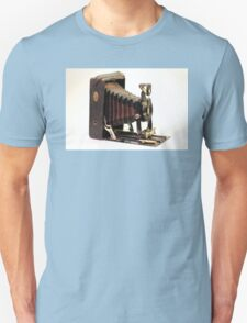 ANTIQUE CAMERA BROWNS Unisex T-Shirt