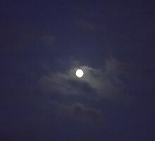 digital photo -(100911b)- clouds/full moon fuji finepix s3200 by paulramnora