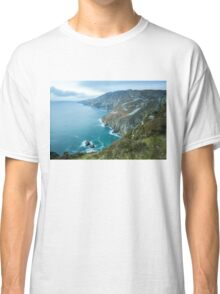 Slieve League sea cliffs in Co. Donegal Classic T-Shirt