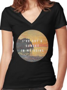 sunset in my veins Women's Fitted V-Neck T-Shirt