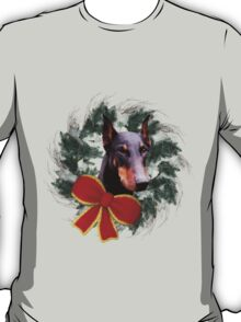Doberman Face Wreath Holiday Shirt T-Shirt