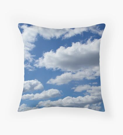 """""""I wandered lonely as a Cloud..."""" Throw Pillow"""
