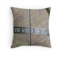 What's the time. Throw Pillow