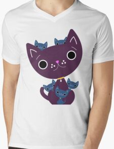 Mum and Kittens Mens V-Neck T-Shirt