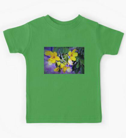 Splendid yellow flowers Kids Tee