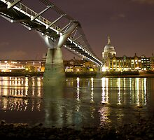 St Pauls From The Foreshore by Mark Taylor